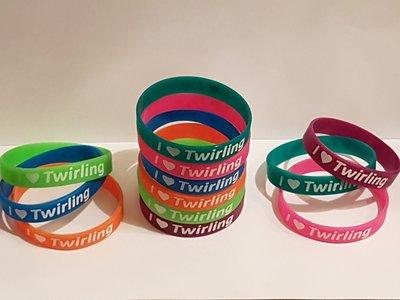 Silicone armbandje I love twirling